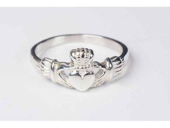 1981 - Claddagh Ring