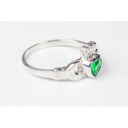 1980 - Claddagh Ring<br>Emerald Glass Accent